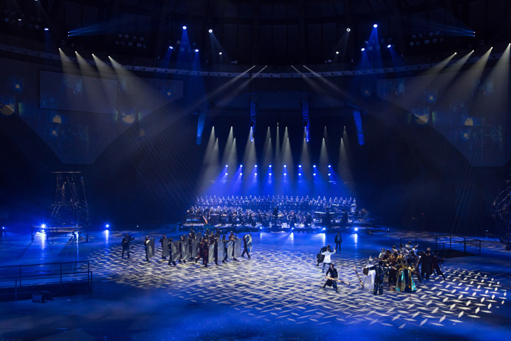 claypaky_provides_heavenly_theatrical_lighting_to_wroclaw_s_closing_capital_of_culture_production_niebo_03_L