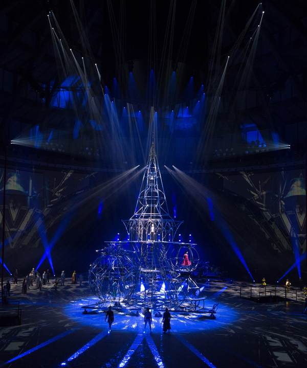claypaky_provides_heavenly_theatrical_lighting_to_wroclaw_s_closing_capital_of_culture_production_niebo_09_L