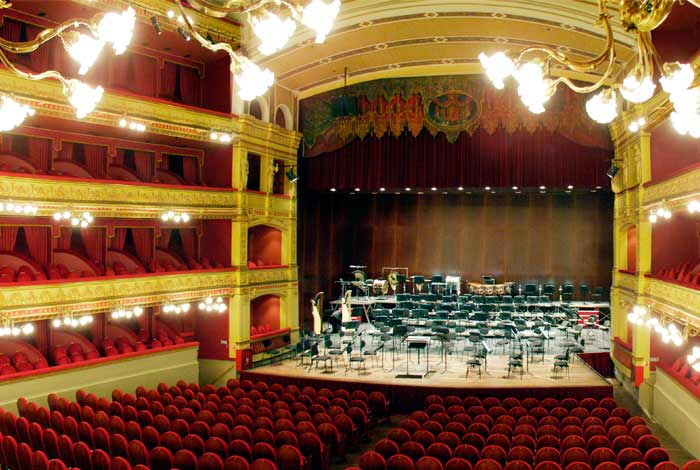 Calderón Theater