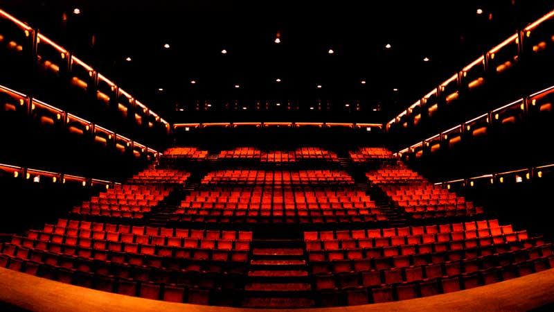 Sala Fabià Puigserver mirando a butacas Teatro Lliure Barcelona