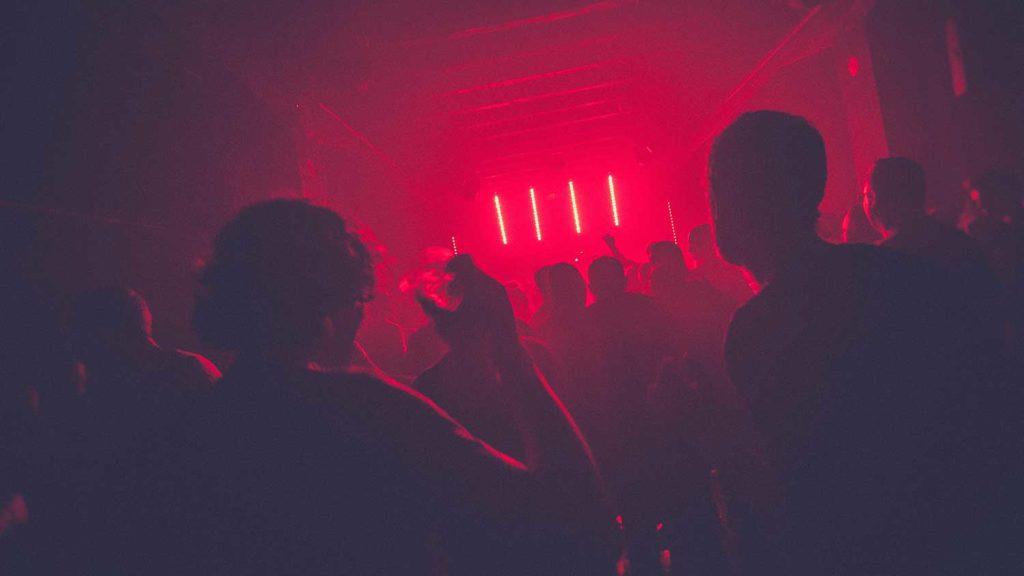 soluciones Iluminación-de-emergencia_discoteca